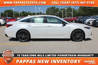 New 2019 Toyota Avalon Hybrid XSE Sedan for Sale in St. Peters, MO