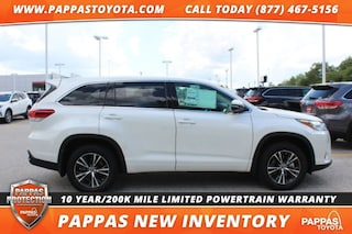 New 2018 Toyota Highlander LE Plus V6 SUV for Sale in St. Peters, MO