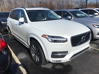 New 2019 Volvo XC90 T5 Momentum SUV VV7017 Indianapolis, IN