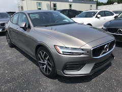 New 2019 Volvo S60 T6 Momentum Sedan VV7120 Indianapolis, IN