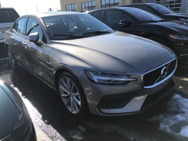 New 2019 Volvo S60 T5 Momentum Sedan Indianapolis, IN