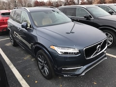 New 2019 Volvo XC90 T6 Momentum SUV VV6940 Indianapolis, IN