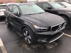 New 2019 Volvo XC40 T5 Momentum SUV VV7092 Indianapolis, IN