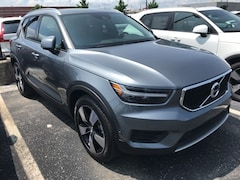New 2019 Volvo XC40 T5 Momentum SUV VV7129 Indianapolis, IN