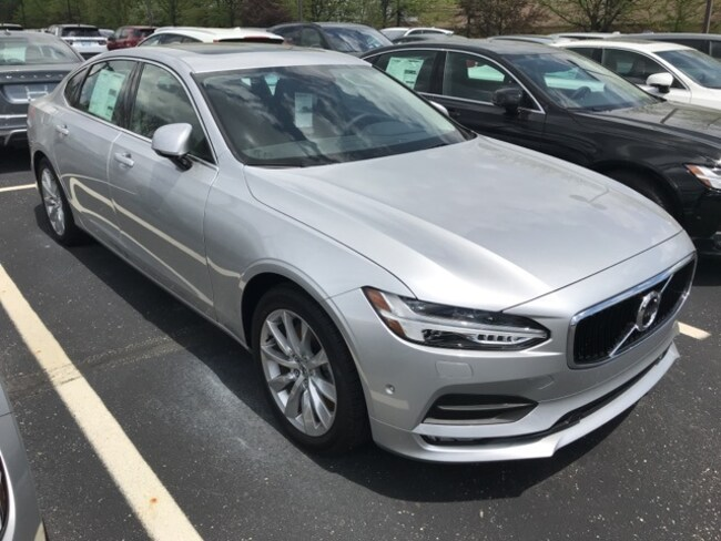New 2018 Volvo S90 T6 AWD Momentum Sedan Indianapolis, IN