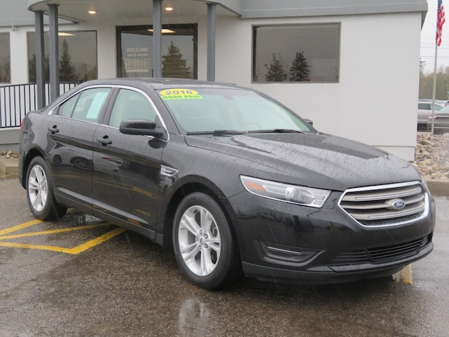 Used 2016 Ford Taurus SEL Sedan for sale in Grand Rapids