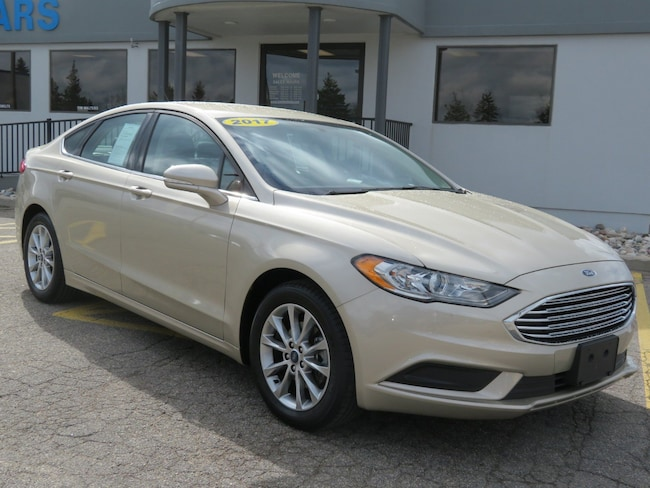 Used 2017 Ford Fusion SE SE FWD for sale in Grand Rapids