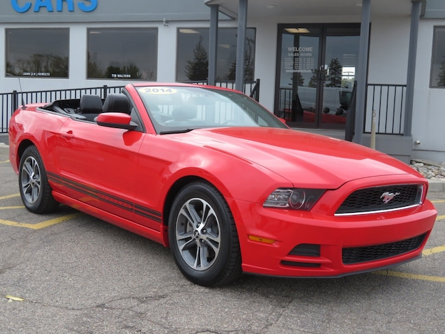 Used 2014 Ford Mustang V6 Premium Convertible for sale in Grand Rapids