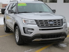 Used 2017 Ford Explorer XLT XLT FWD for sale in Grand Rapids