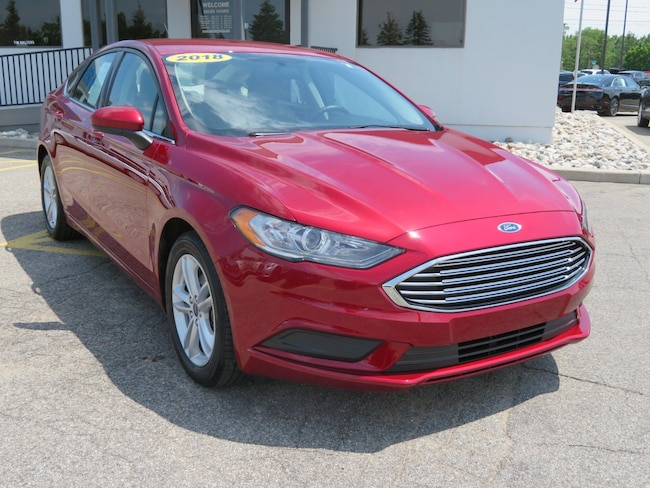 Used 2018 Ford Fusion SE SE FWD for sale in Grand Rapids