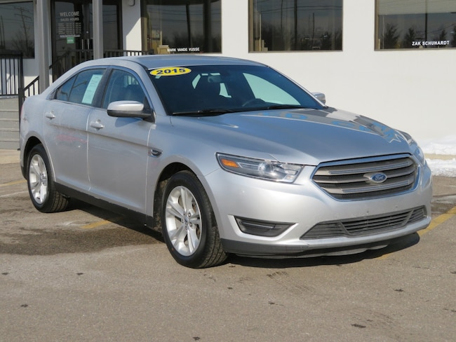 Used 2015 Ford Taurus SEL Sedan for sale in Grand Rapids
