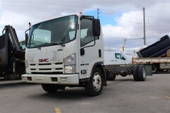 2009 GMC W-5500 LOW KILOMETERS! TILT CAB Cab and Chassis