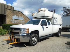 2009 CHEVROLET C3500 Walk in body,Generator,Ladder racks,LOW km.