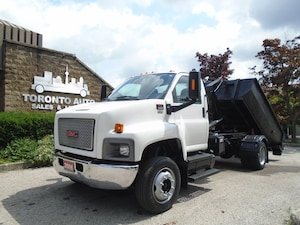 2008 GMC C6500 LOW KM,2Bins plus salter,7 T Hook System.