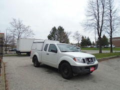 2014 Nissan Frontier 4 extra tires and wheels,, Aluminum Cap. Truck