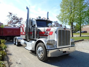 2012 PETERBILT 388 Extra clean,One owner/ operator,Certified.