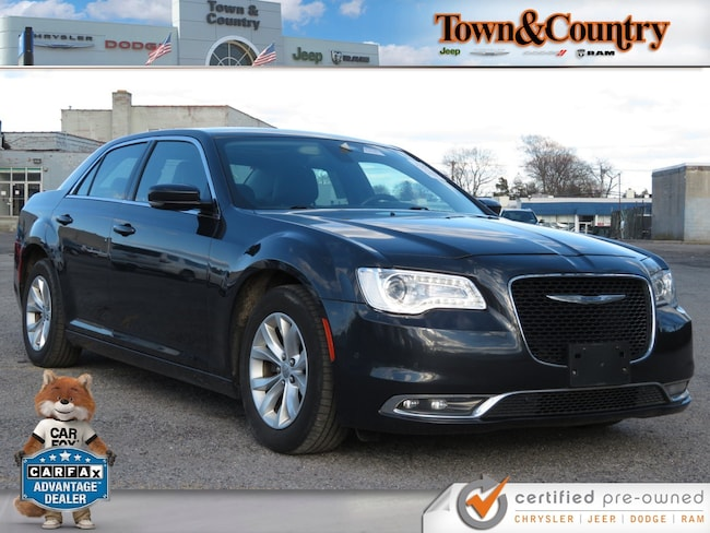 Used 2016 Chrysler 300 Limited For Sale | Levittown NY