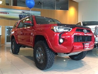 Showroom Toyota 4Runner.jpg