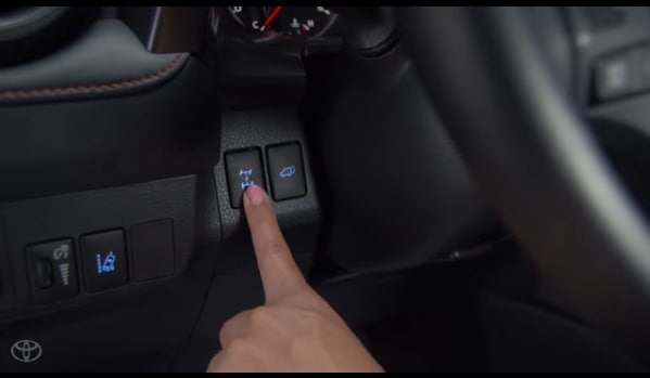 Video: How to Use All-Wheel Drive Lock Button on RAV4
