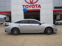 New 2019 Toyota Avalon XSE Sedan in Brookhaven, MS