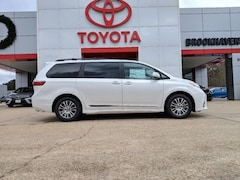 New 2019 Toyota Sienna XLE 8 Passenger Van in Brookhaven, MS