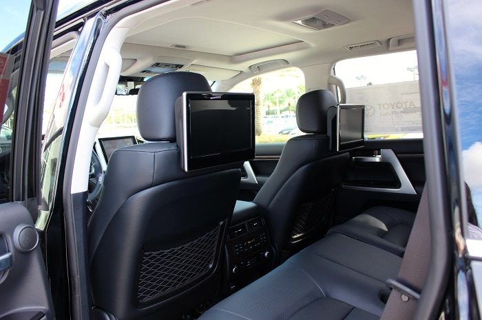 which suvs have reclining third row autos post. Black Bedroom Furniture Sets. Home Design Ideas