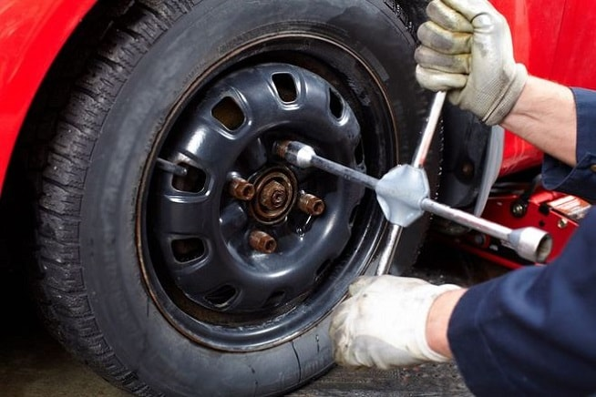 how to change a tire n charlotte toyota tips. Black Bedroom Furniture Sets. Home Design Ideas
