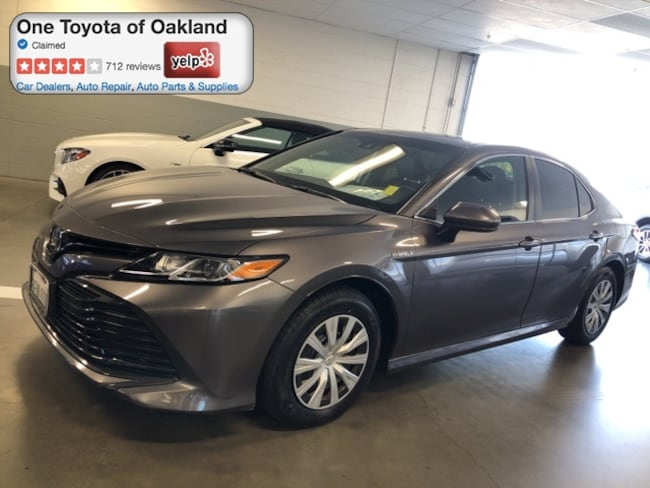 Certified Pre-Owned 2018 Toyota Camry Hybrid Hybrid LE Sedan in Oakland, CA