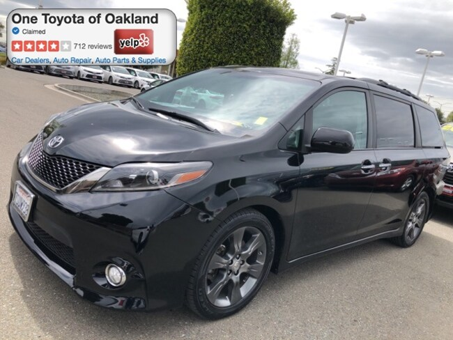 Certified Pre-Owned 2016 Toyota Sienna SE 8 Passenger Van in Oakland, CA