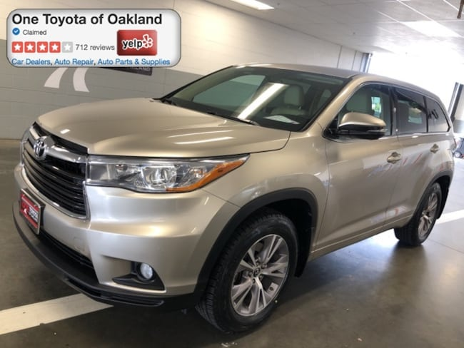 Certified Pre-Owned 2016 Toyota Highlander LE Plus V6 SUV in Oakland, CA