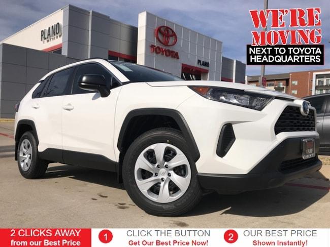 New 2019 Toyota RAV4 LE SUV near Dallas, TX