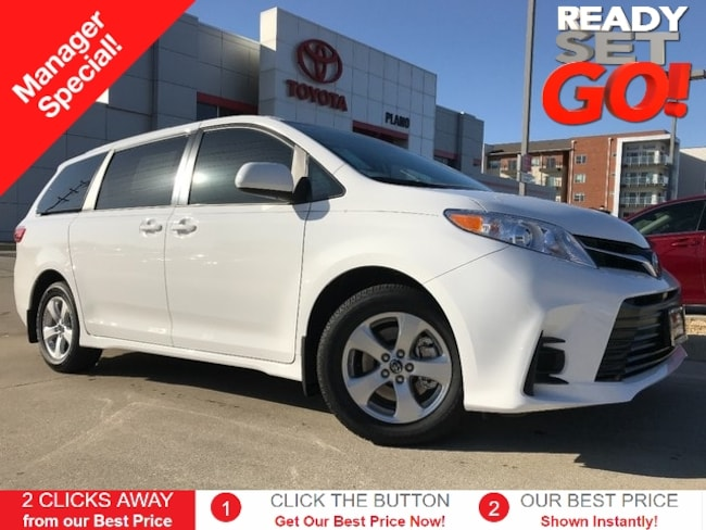 New 2019 Toyota Sienna LE 8 Passenger Van near Dallas, TX