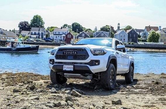 Tundra Vs Tacoma >> Toyota Tundra Vs Toyota Tacoma Toyota Of Portsmouth