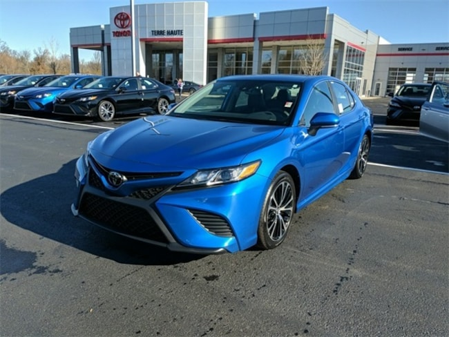 New 2019 Toyota Camry SE Sedan Terre Haute, IN