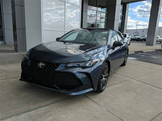 New 2019 Toyota Avalon XSE Sedan Terre Haute, IN