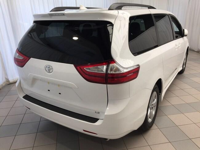 cb391f1d58 ... 2019 Toyota Sienna LE V6 8-PASS Van Passenger Van ...