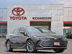 New 2019 Toyota Avalon Hybrid XLE Plus Sedan
