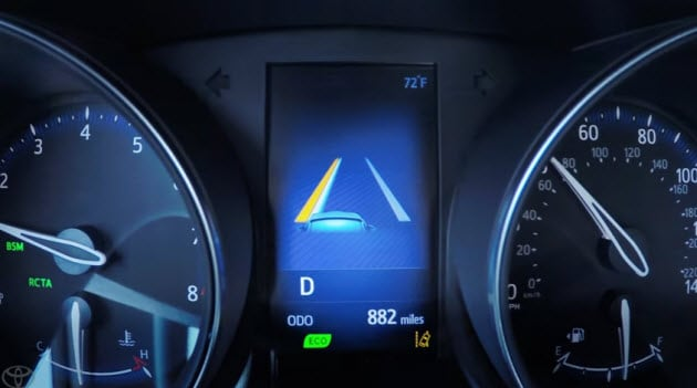 2016 Toyota Camry Xse >> Video: How to Use Toyota Lane Departure Alert Settings & Controls