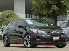 2016 Kia Forte EX Bluetooth, Backup Camera & Sport Wheels Sedan