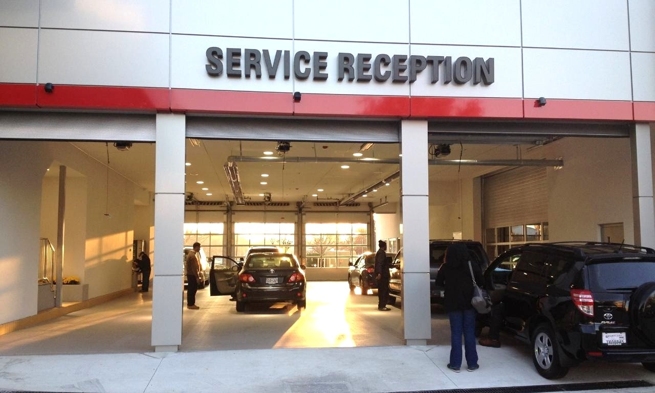 toyota repair in silver spring md auto service at darcars toyota serving washington dc. Black Bedroom Furniture Sets. Home Design Ideas