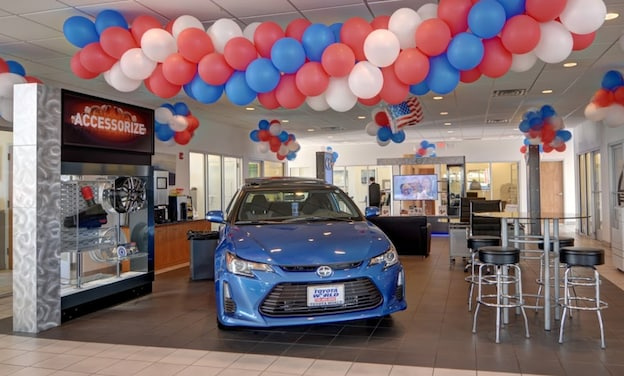 Welcome to Toyota World of Lakewood