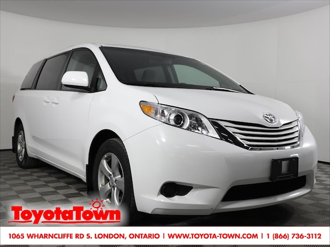 2017 Toyota Sienna 8 PASS LE POWER SLIDING DOORS NEW TIRES & BRAKES Minivan