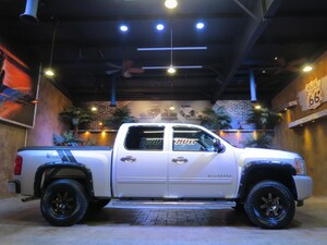 2013 Chevrolet Silverado 1500 LIFTED/ CUSTOM LTZ!!!