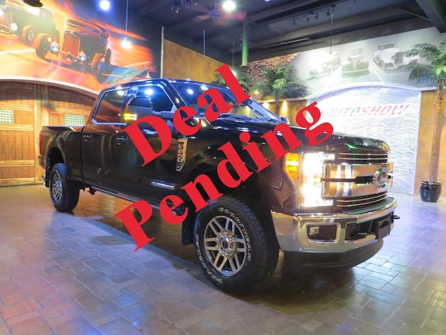 2017 Ford F-250 SUPER DUTY Lariat **LIKE NEW- LOW KMS- PERFECT HISTORY ** Truck