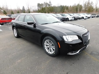 New 2019 Chrysler 300 TOURING Sedan in Williamsville, NY