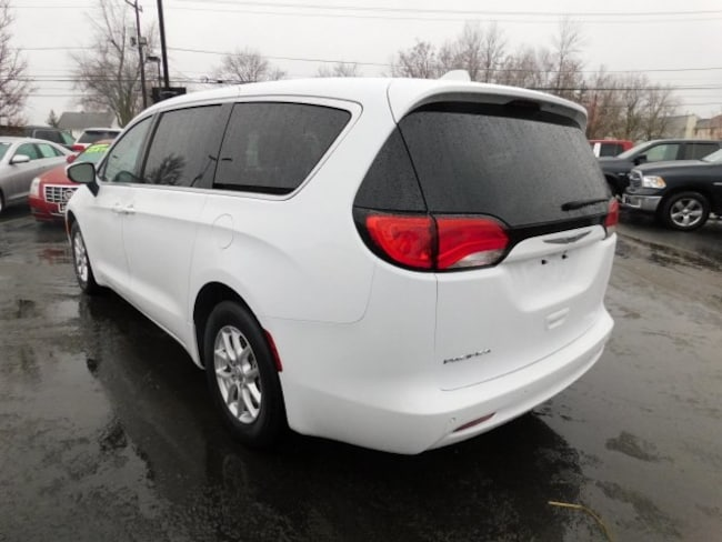 used 2018 chrysler pacifica lx for sale in elma ny. Black Bedroom Furniture Sets. Home Design Ideas