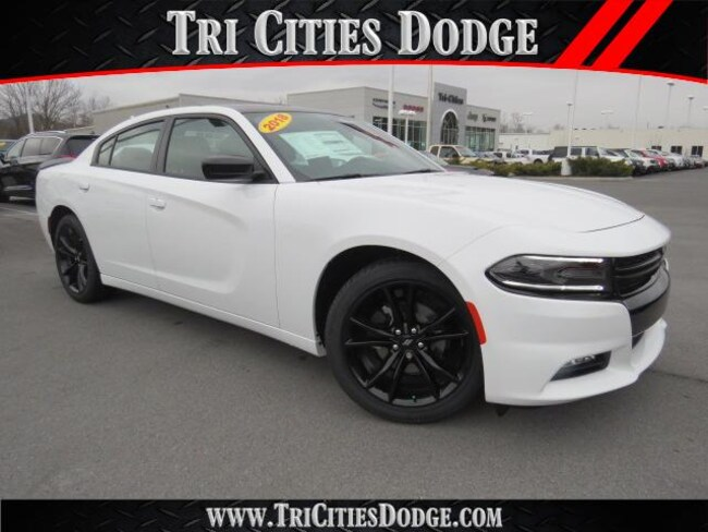 New 2018 Dodge Charger SXT PLUS RWD - LEATHER Sedan 2C3CDXHG1JH197144 2C3CDXHG1JH197144 for sale near Johnson City