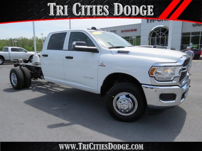 New 2019 Ram 3500 TRADESMAN CREW CAB CHASSIS 4X4 172.4 WB Crew Cab 3C7WRTCL1KG529157 3C7WRTCL1KG529157 for sale near Johnson City