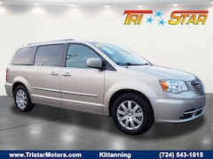 2016 Chrysler Town & Country Touring Touring  Mini-Van For Sale in Kittanning