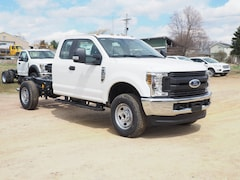 New commercial work pickup trucks and cargo vans 2019 Ford F-350 Chassis 4x4 XL  SuperCab 168 in. WB SRW Chassis for sale near you in Pennsylvania